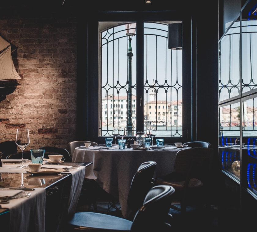 aromi-restaurant-HMSV